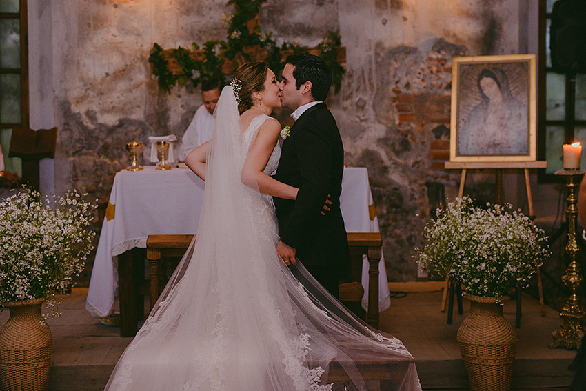 AnaCeci+Luis_Blog_KapePhotography_Cuernavaca_DestinationWedding_Mexico_WeddingPhotographer_067.jpg