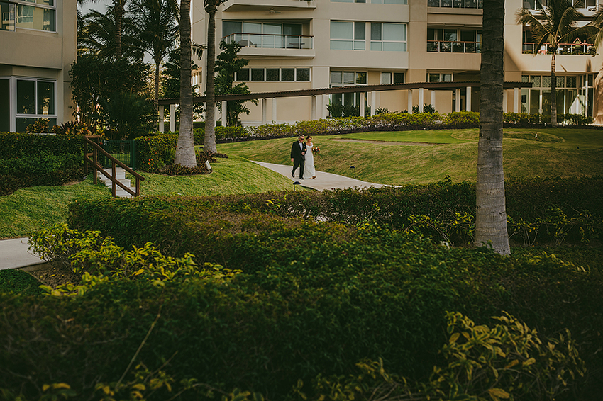 Kelsey+Chris_Blog_PuertoVallarta_DestinationWedding_Weddingphotography_KapePhotography_Mexico_059.jpg
