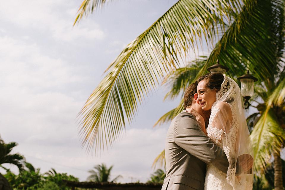 Sam+Alejandro_PlayadelCarmen_KapePhotography_destinationwedding_weddingphotography_mexico_fotografo_boda_cancun_rivieramaya_villasolyluna023.jpg