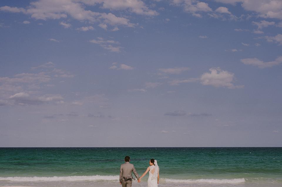 Sam+Alejandro_PlayadelCarmen_KapePhotography_destinationwedding_weddingphotography_mexico_fotografo_boda_cancun_rivieramaya_villasolyluna033.jpg