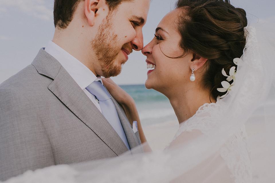Sam+Alejandro_PlayadelCarmen_KapePhotography_destinationwedding_weddingphotography_mexico_fotografo_boda_cancun_rivieramaya_villasolyluna038.jpg