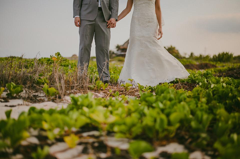 Sam+Alejandro_PlayadelCarmen_KapePhotography_destinationwedding_weddingphotography_mexico_fotografo_boda_cancun_rivieramaya_villasolyluna042.jpg