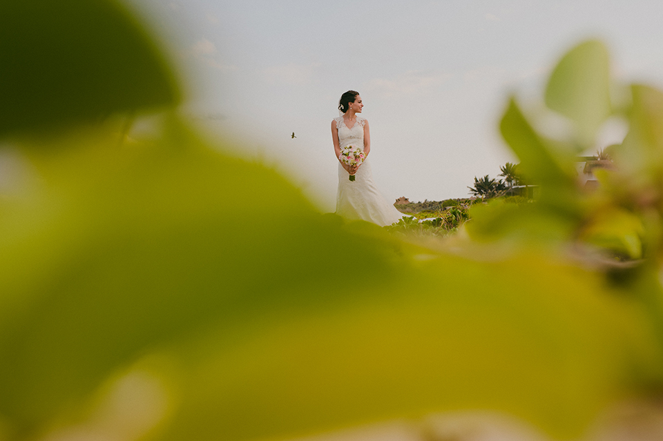 Sam+Alejandro_PlayadelCarmen_KapePhotography_destinationwedding_weddingphotography_mexico_fotografo_boda_cancun_rivieramaya_villasolyluna051.jpg