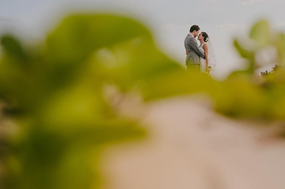 Sam+Alejandro_PlayadelCarmen_KapePhotography_destinationwedding_weddingphotography_mexico_fotografo_boda_cancun_rivieramaya_villasolyluna052.jpg