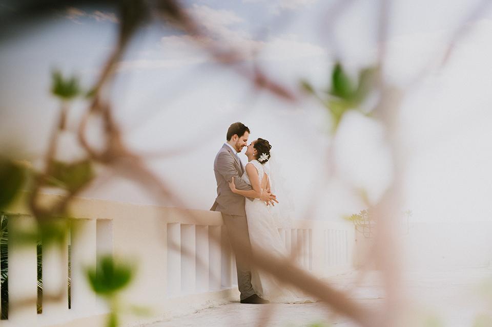 Sam+Alejandro_PlayadelCarmen_KapePhotography_destinationwedding_weddingphotography_mexico_fotografo_boda_cancun_rivieramaya_villasolyluna063.jpg