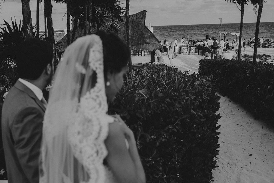 Sam+Alejandro_PlayadelCarmen_KapePhotography_destinationwedding_weddingphotography_mexico_fotografo_boda_cancun_rivieramaya_villasolyluna067.jpg