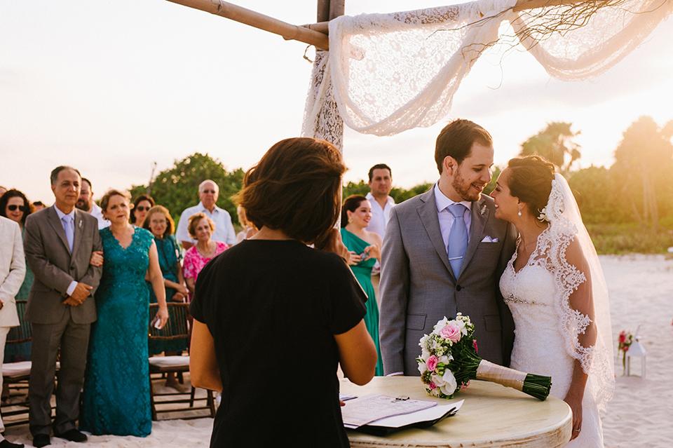Sam+Alejandro_PlayadelCarmen_KapePhotography_destinationwedding_weddingphotography_mexico_fotografo_boda_cancun_rivieramaya_villasolyluna074.jpg