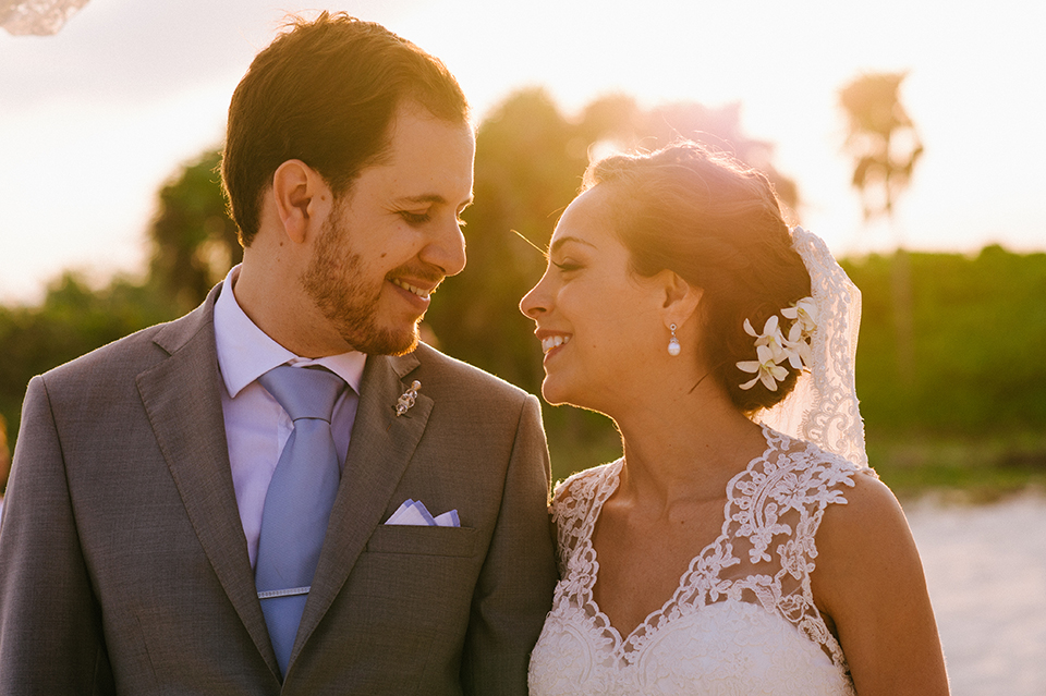 Sam+Alejandro_PlayadelCarmen_KapePhotography_destinationwedding_weddingphotography_mexico_fotografo_boda_cancun_rivieramaya_villasolyluna075.jpg