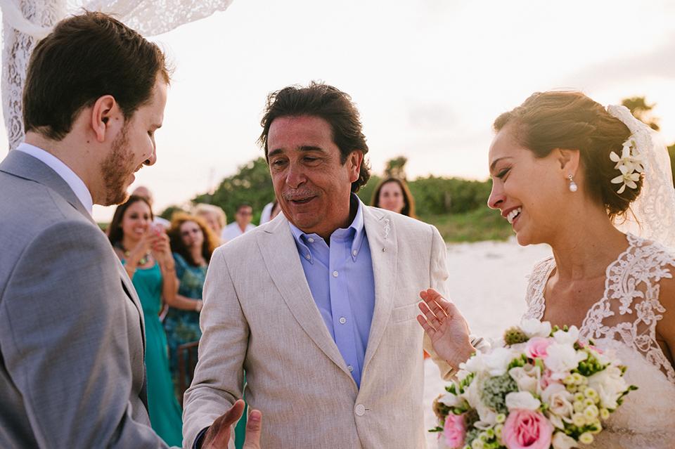Sam+Alejandro_PlayadelCarmen_KapePhotography_destinationwedding_weddingphotography_mexico_fotografo_boda_cancun_rivieramaya_villasolyluna073.jpg