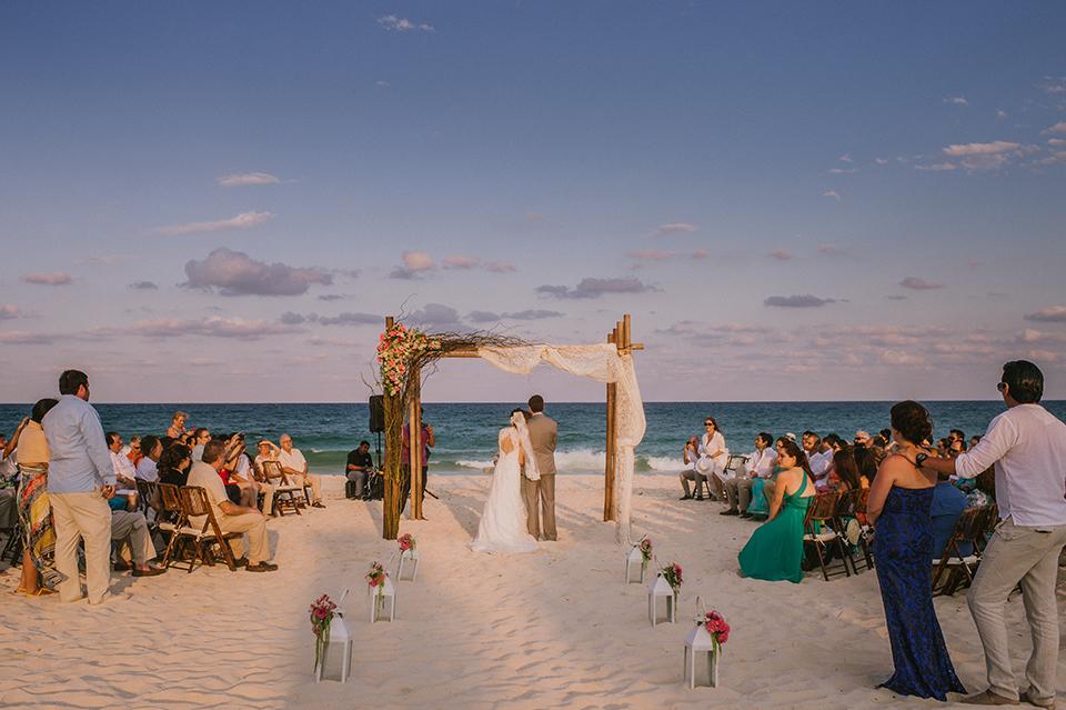 Sam+Alejandro_PlayadelCarmen_KapePhotography_destinationwedding_weddingphotography_mexico_fotografo_boda_cancun_rivieramaya_villasolyluna076.jpg