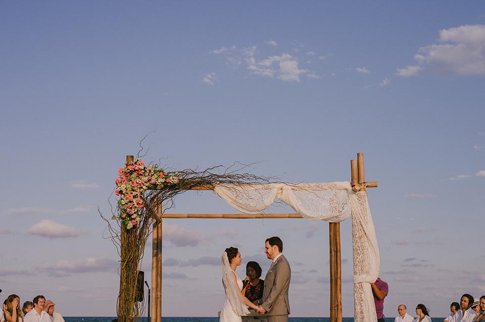 Sam+Alejandro_PlayadelCarmen_KapePhotography_destinationwedding_weddingphotography_mexico_fotografo_boda_cancun_rivieramaya_villasolyluna082.jpg