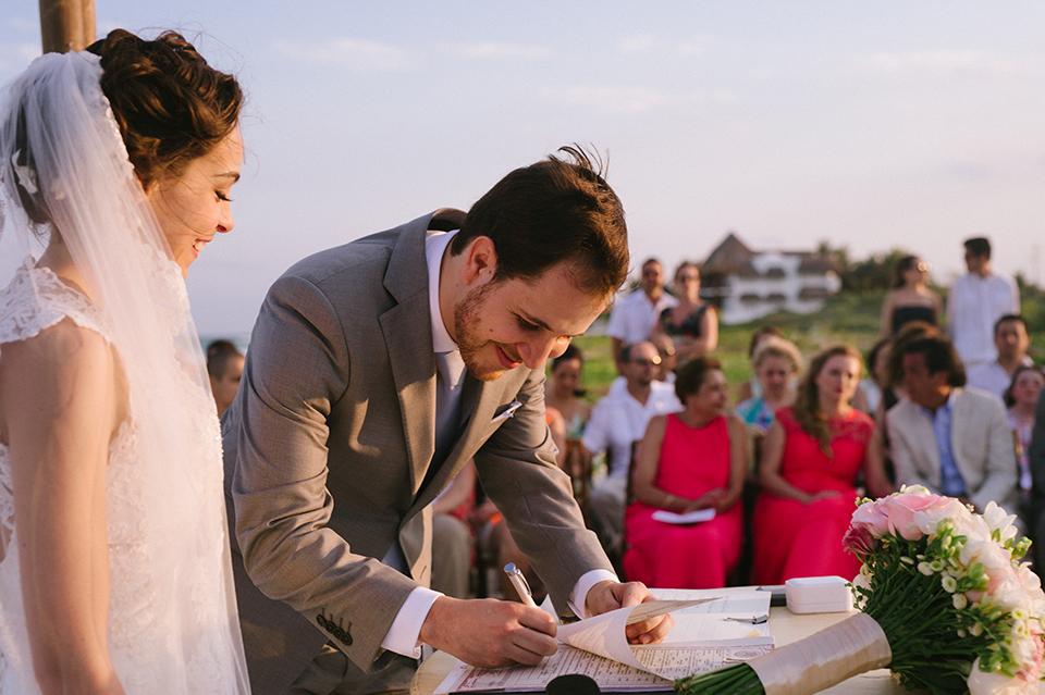 Sam+Alejandro_PlayadelCarmen_KapePhotography_destinationwedding_weddingphotography_mexico_fotografo_boda_cancun_rivieramaya_villasolyluna085.jpg