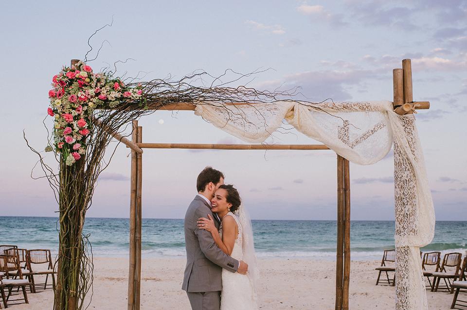 Sam+Alejandro_PlayadelCarmen_KapePhotography_destinationwedding_weddingphotography_mexico_fotografo_boda_cancun_rivieramaya_villasolyluna102.jpg