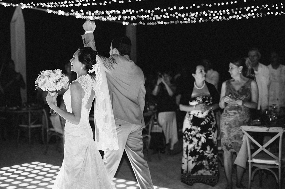 Sam+Alejandro_PlayadelCarmen_KapePhotography_destinationwedding_weddingphotography_mexico_fotografo_boda_cancun_rivieramaya_villasolyluna113.jpg
