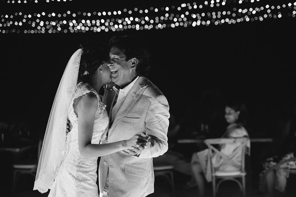 Sam+Alejandro_PlayadelCarmen_KapePhotography_destinationwedding_weddingphotography_mexico_fotografo_boda_cancun_rivieramaya_villasolyluna126.jpg