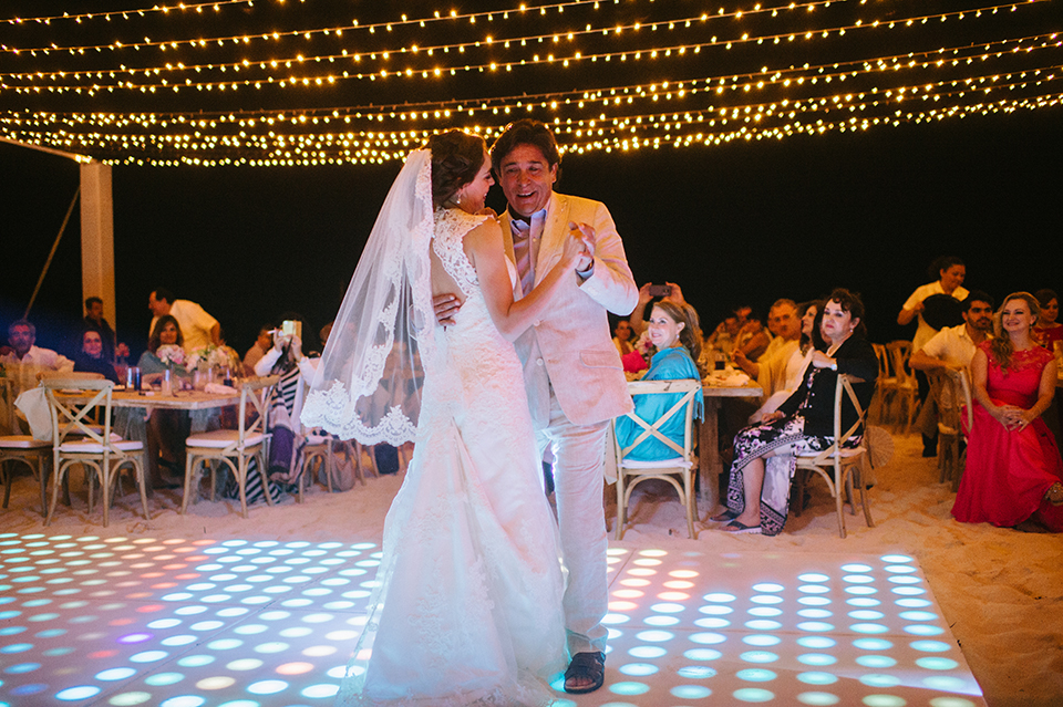 Sam+Alejandro_PlayadelCarmen_KapePhotography_destinationwedding_weddingphotography_mexico_fotografo_boda_cancun_rivieramaya_villasolyluna125.jpg