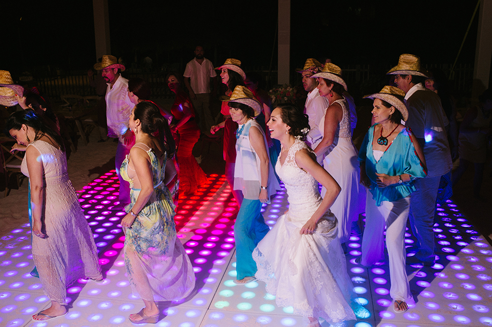Sam+Alejandro_PlayadelCarmen_KapePhotography_destinationwedding_weddingphotography_mexico_fotografo_boda_cancun_rivieramaya_villasolyluna153.jpg