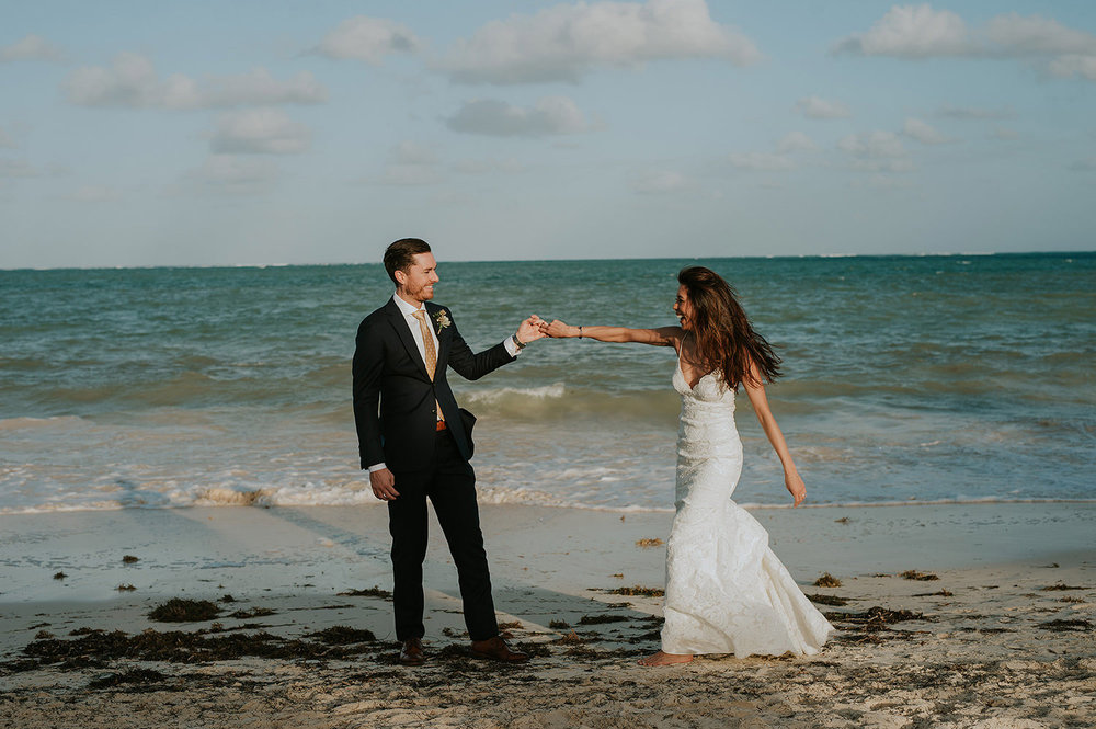 CherylReed_Wedding_Kape_Photography_WeddingPhotography_Mexico_Boda_Fotografia_Royalton_Hideway_Cancun_RivieraMaya_PlayadelCarmen_Beach_988FB_BLOG.jpg