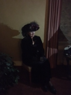 Mrs Louise Crawford Hill medium re-enactment room 904.JPG