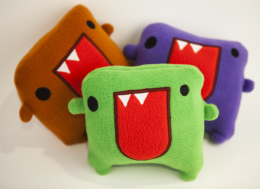 Big Blabber Mouth Bobby come in three awesome colors, Green, Purple and Orangey Brownish