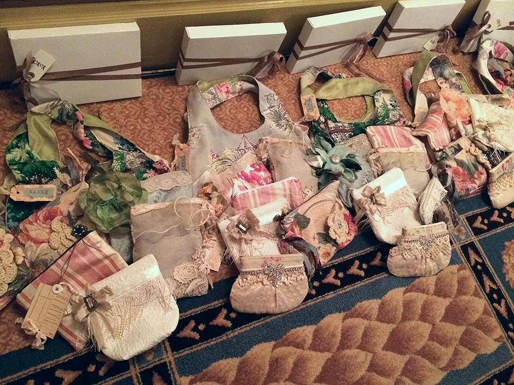 We did not participate in the fabric bag swap, but had to share the beautiful handiwork.