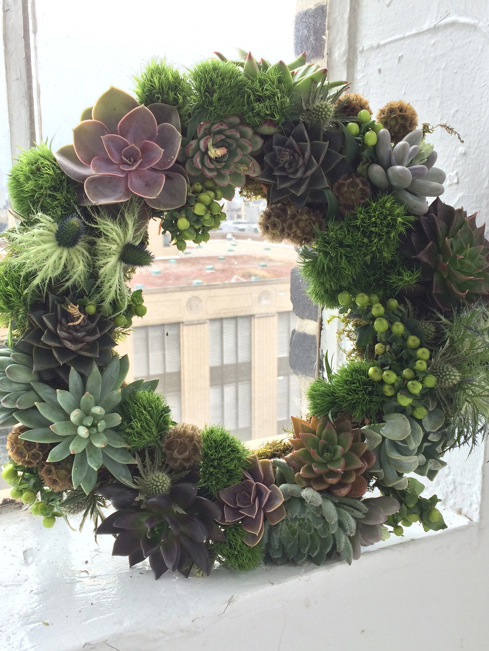 Living Wreath class with Matthew Robbins of Matthew Robbins Designs. He is a contributor to Martha Stewart Weddings and creates events all over the world. It was an honor to learn from him!