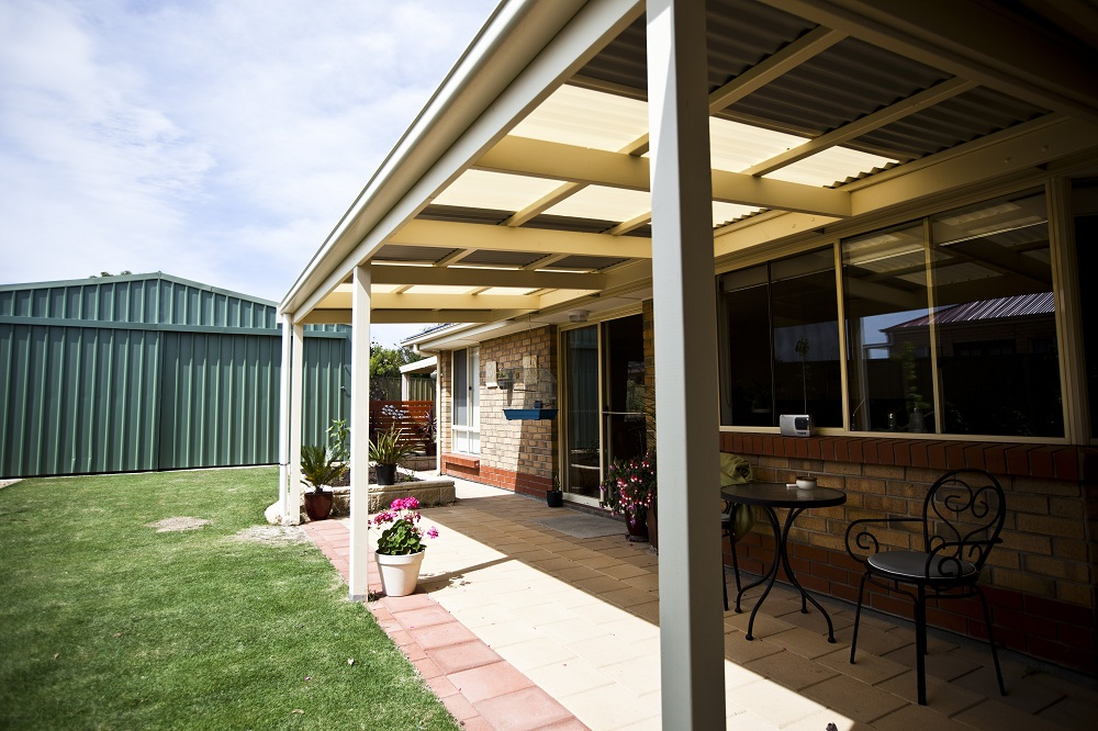 Verandahs goolwa pergolas and decks for Homes with verandahs all around