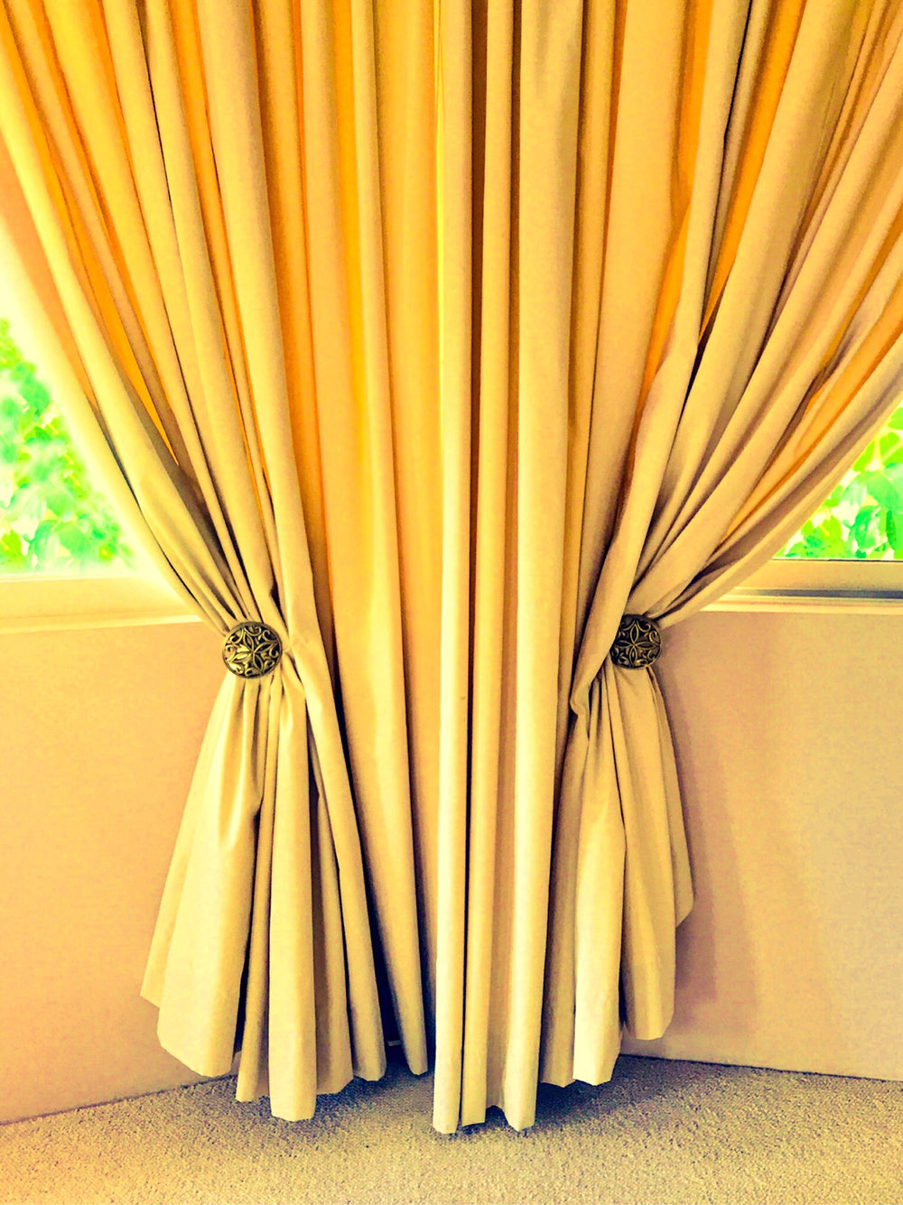 elvis_curtains-SQ.jpg