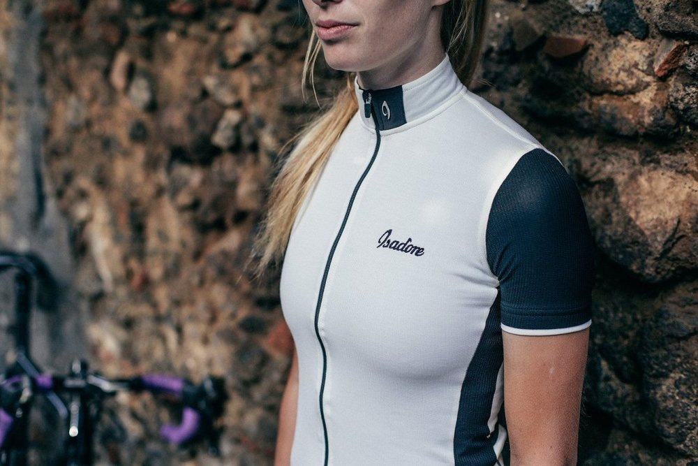 SIGNATURE CYCLING JERSEY ANTIQUE WHITE / JET BLACK - A timeless cycling jersey, cut to a classic design.