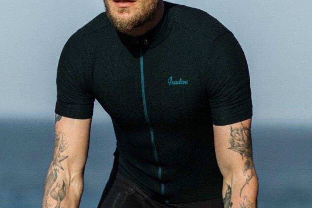 WOOLIGHT JERSEY JET BLACK MEN - A lightweight, high-summer cycling jersey.