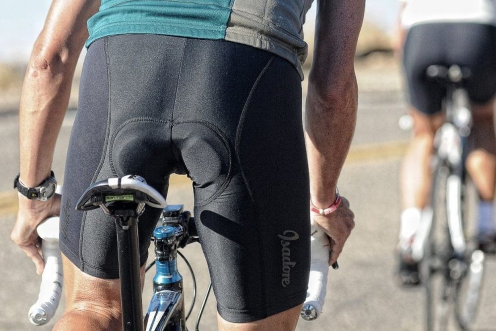 MEN BIB SHORTS - Designed to keep you comfortable for hours on your longest days on bike.