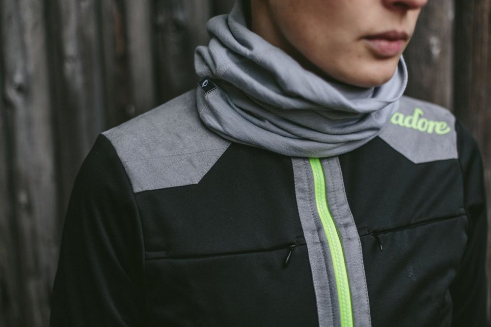 MERINO PERFORMANCE NECK WARMER - Versatile merino neck warmer for colder days.