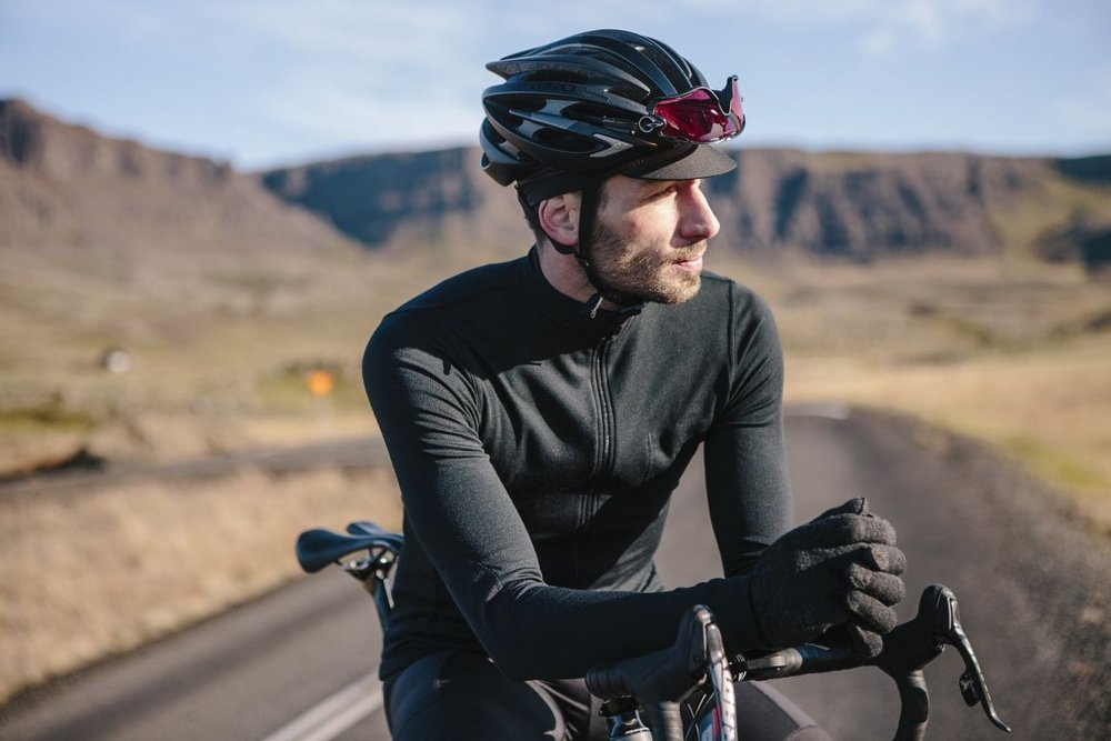 LONG SLEEVE JERSEY ANTHRACITE 2.0 - Versatile three season cycling jersey.