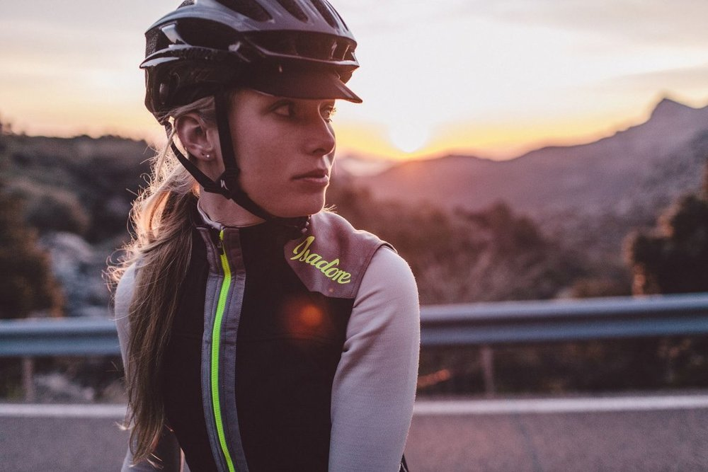 WOMENS MERINO MEMBRANE SOFTSHELL VEST - Sleek Womens look. Finest Merino wool inside, wind and waterproof membrane on the outside. Reflective elements. ThermoRoubaix® side panels.