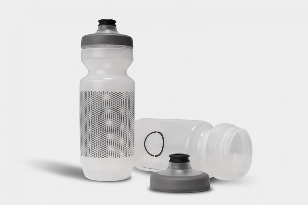 ECHELON BIDON - The bidon completes the Echelon performance kit. Designed in the spirit of minimalism, the bidon will support your water balance throughout a vigorous ride.