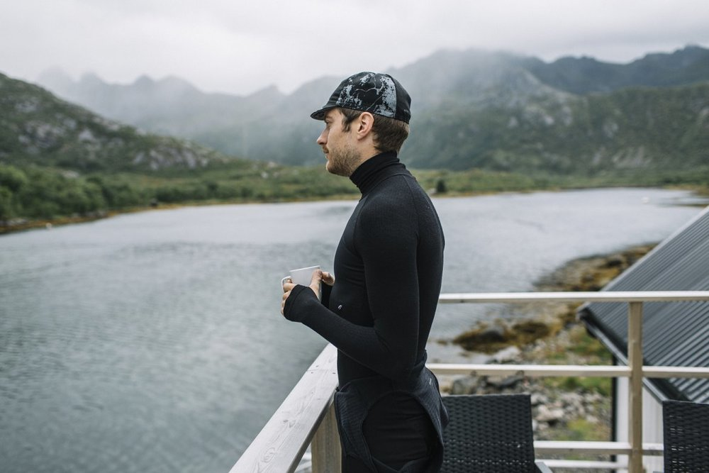 OVADA DEEP WINTER BASELAYER - The baselayer is helping you tackle the coldest weather you'll encounter on the bike.