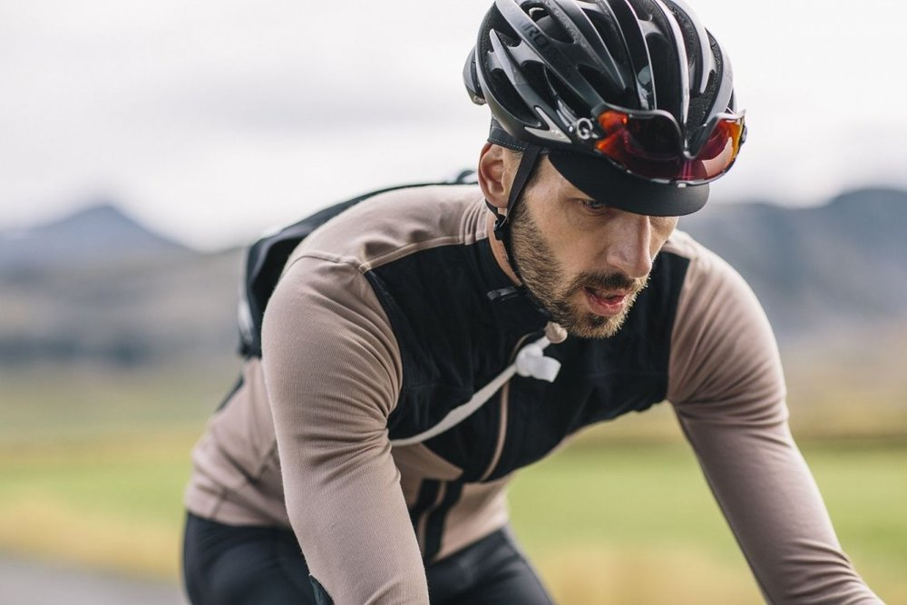 LONG SLEEVE SHIELD JERSEY ETHEREA - Designed to withstand wind and drizzle, the shield jersey is enhanced with a light but sound windshield membrane on the most exposed chest area.