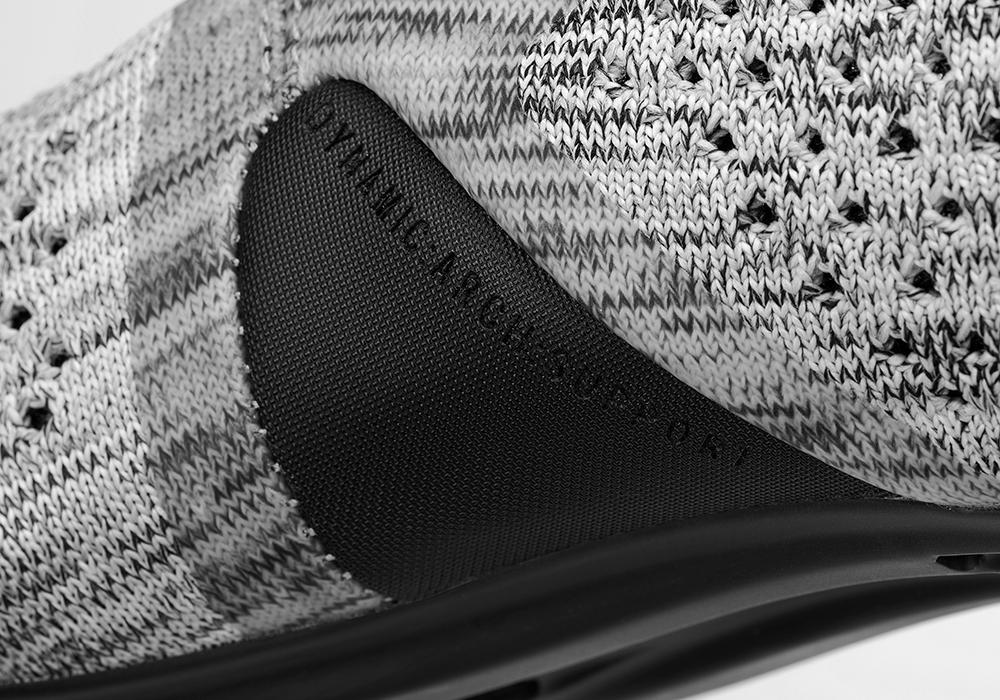 infinito-r1-grey-knit-detail1_2.png