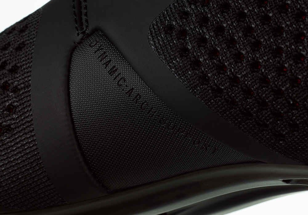 infinito-r1-knit-black-detail2.png