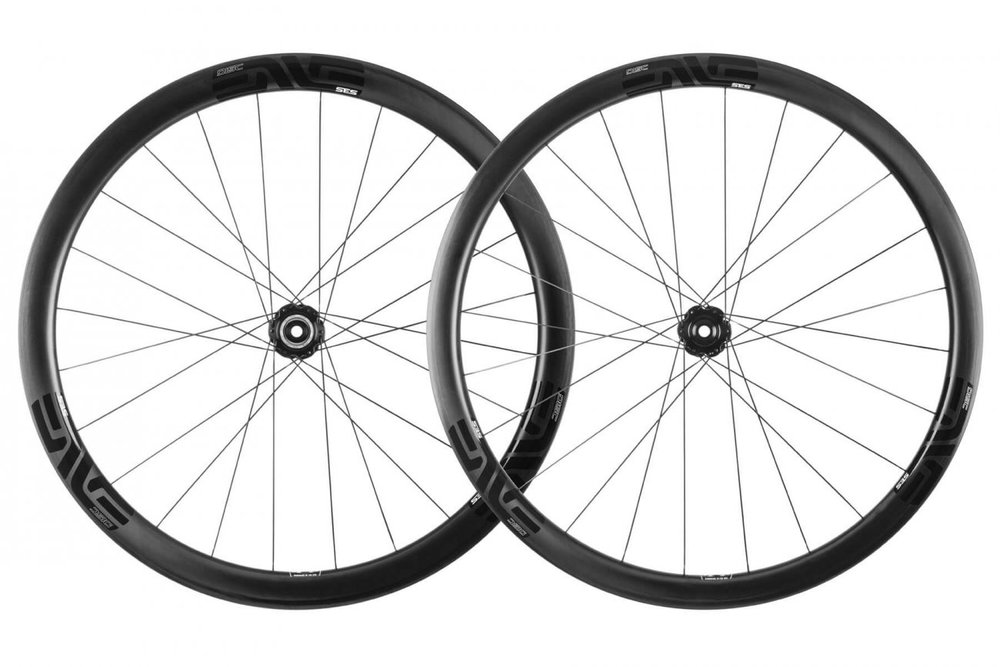 SES 3.4 DISC - A climbing wheel with an aero advantage, designed to be ridden in the mountains and optimized for use with modern disc brake road bikes.