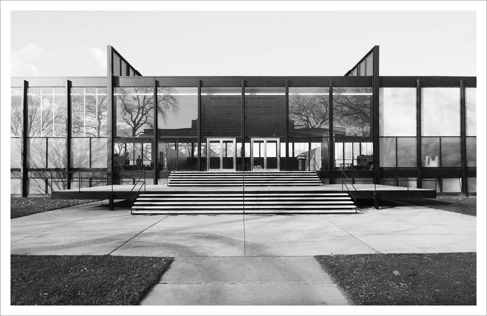 Mies_van_der_Rohe_Crown-Hall1.jpg