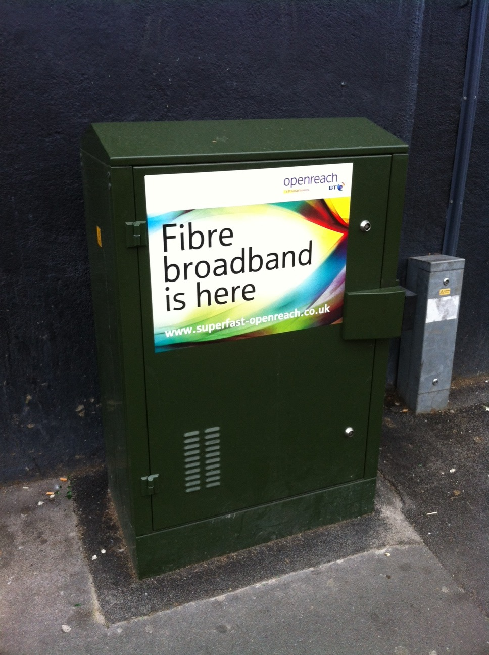 BT is using street-corner cabinets to promote its new FTTC product. This one is in Chiswick, west London.  This is a clever approach to local advertising - only people who can get the service will see the posters. Not sure how effective it is, though.