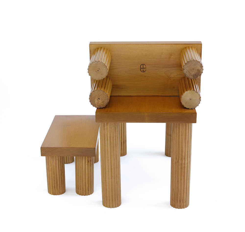 Jolly Corner Bench (vs 2) AQQ Design, Matthew Sullivan Exclusive collaboration between kM and AQQ American contemporary lacquered Maple 20 L x 10 H x 10 D LIST PRICE: $600 DESIGNER DISCOUNT PRICE: $510 LEAD TIME: 12-14 Weeks QUANTITY IN STOCK: 2 ONLINE PLATFORMS:  Artsy