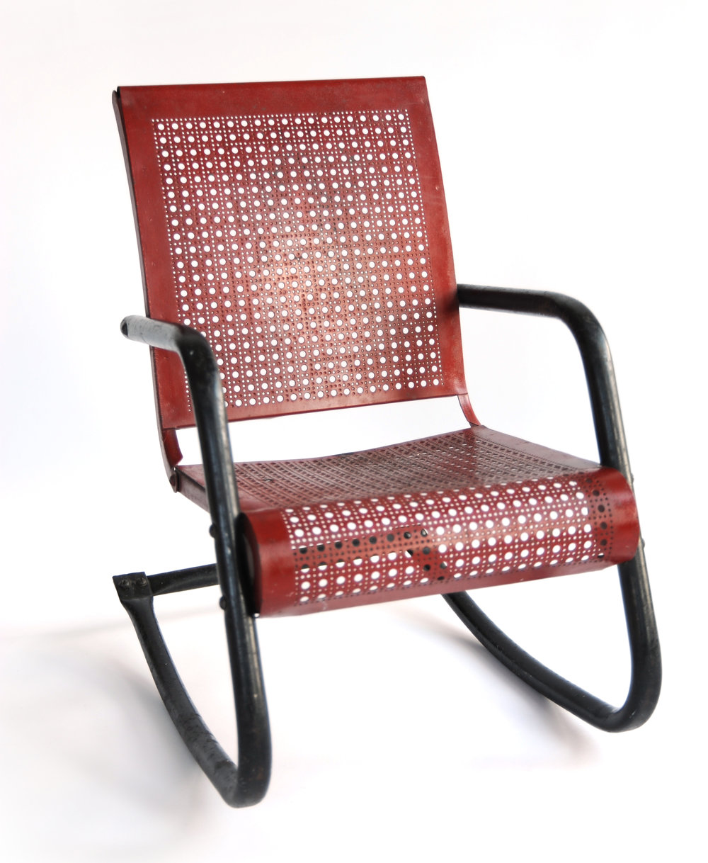 Mesh Child Rocker (red) Unknown Designer Unknown Origin Unknown Date Red Metal H 24 in W 15 in D 23 in LIST PRICE: $375 DESIGNER DISCOUNT PRICE: $318.75 LEAD TIME: 3-5 Days Shipping & Handling QUANTITY IN STOCK: 1 ONLINE PLATFORMS: kM Web, Artsy, 1st Dibs