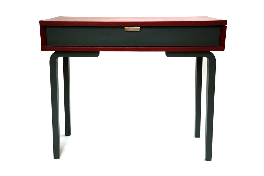 "Thonet Child Desk (Red/Green)     Thonet      Thonet New York      German     1950s     Painted birch ply       H 30 in, W 35.75 in, D 17.75 in       Foil label ""Thonet""      LIST PRICE:  Cube $1,650     DESIGNER DISCOUNT PRICE: $1,402.50    LEAD TIME: 3-5 Days    QUANTITY IN STOCK: 1    ONLINE PLATFORMS: kM Web, Artsy, 1st Dibs"