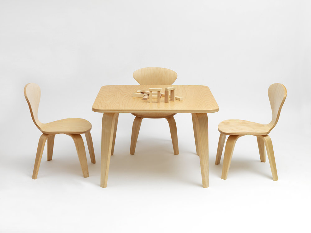 Childrens-30x30x20inTable-12inChair-Birch-02.jpg