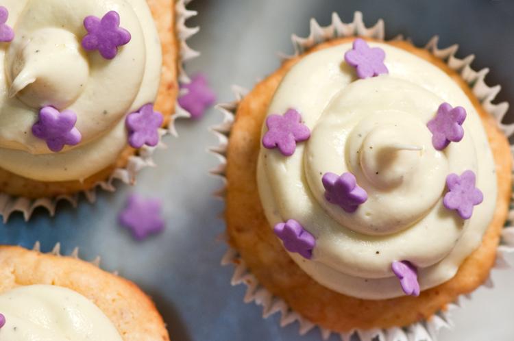 spring cupcakes sprinkles