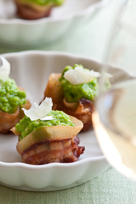 roasted garlic pea puree in pancetta cups