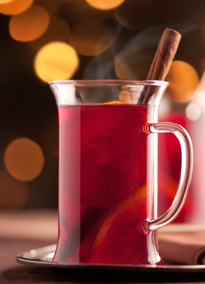 spiced mulled wine with clementines