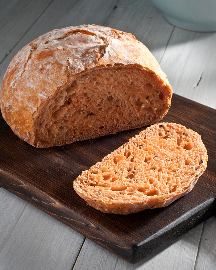 tomato no-knead bread